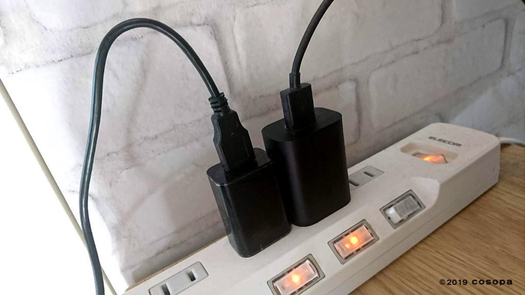 左がRS-WFIREX用、右がAlexa用のUSB-ACアダプタです。RS-WFIREXには付属しないので別途購入が必要です。